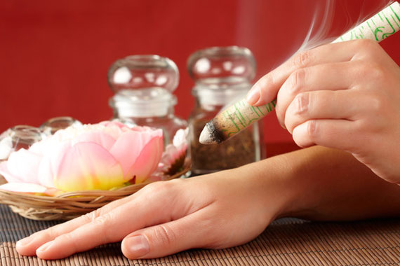 Moxibustion treatments & infa red heat treatments at Peel Acupuncture